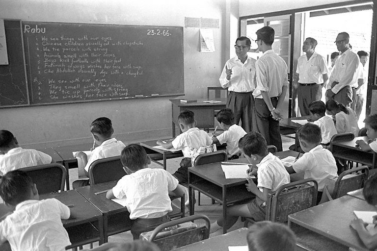 Minister for Education, Ong Pang Boon, accompanied by Minister of State for Education, Rahim Ishak, visiting a primary school in February 1966, to enable him to observe and better understand how schools were run