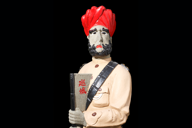 Sikh-Statue-at-the-tomb-of-Mr-Chew-Geok-Leong