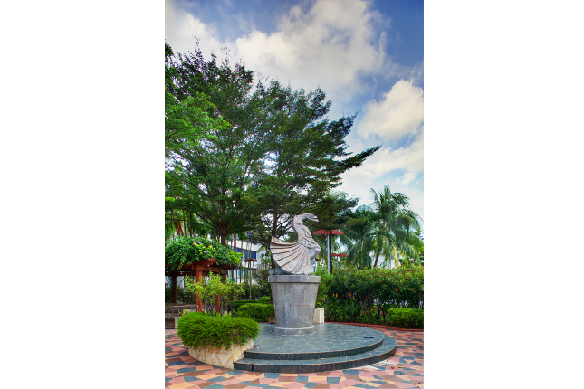 Seng Poh Garden & Dancing Girl Sculpture 2