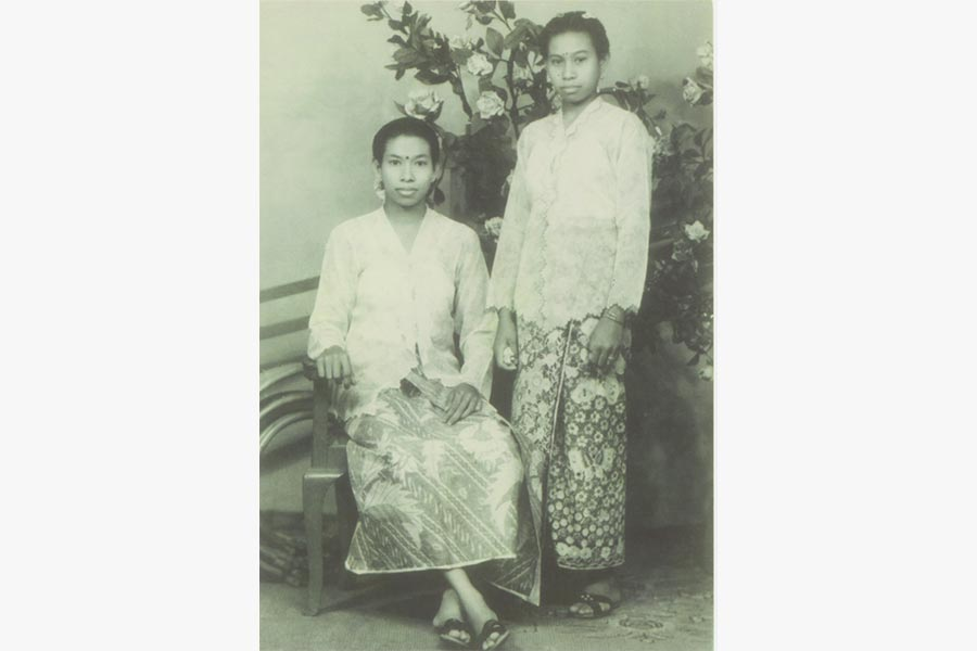 A studio photograph of Vengadesan Letchemee and Vengadesan Sithyahpama