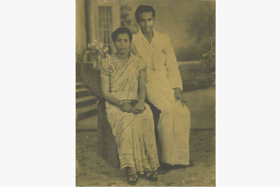 A photograph of AS Pillay and his wife Suppummal