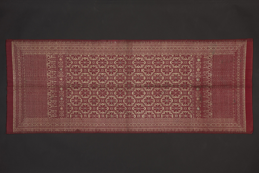 gold-and-silk-songket-textile