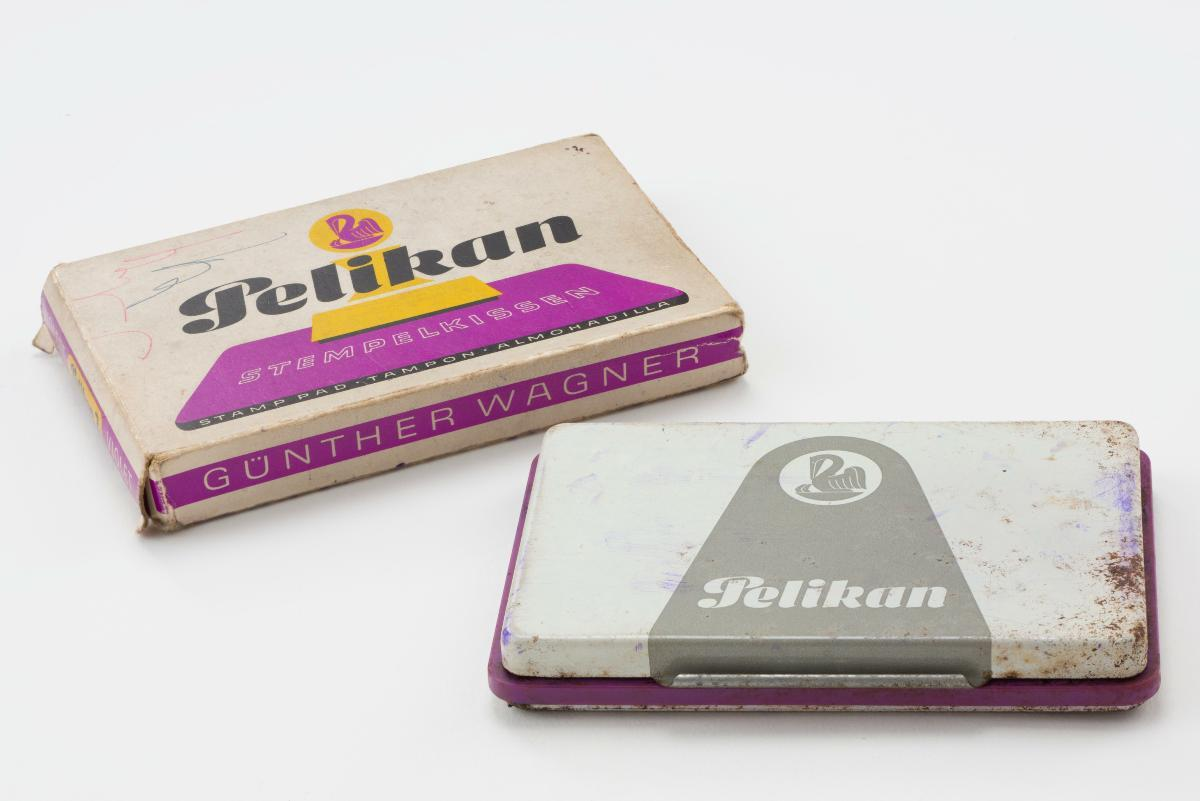 card-img-top