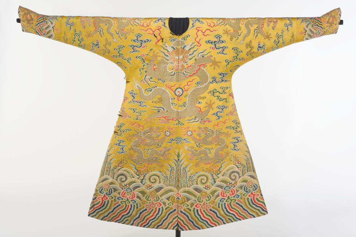 ead1f50ee Dragon robe