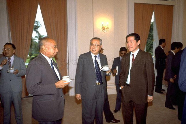 Dr Goh Keng Swee at a reception at the Istana in 1985