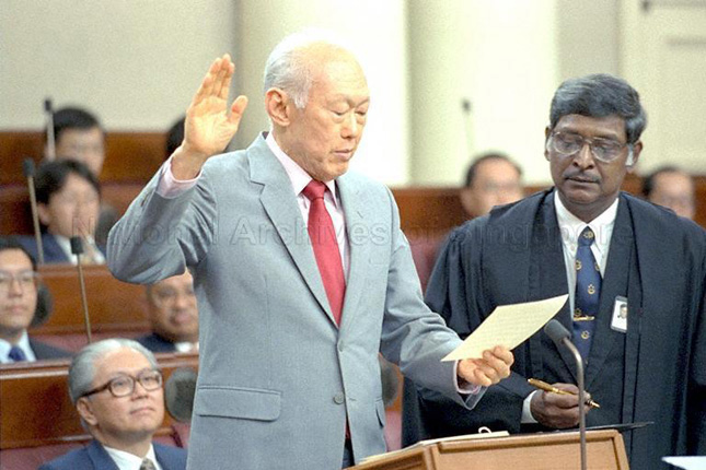 Lee Kuan Yew at the oath taking ceremony in 1997